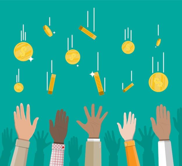 Moedas de ouro caindo e mãos. chuva de dinheiro. Vetor Premium