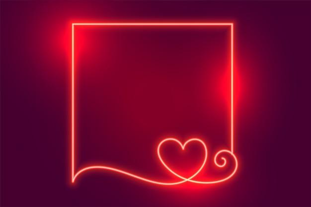 Moldura de coração de néon criativo brilhante com espaço de texto Vetor grátis
