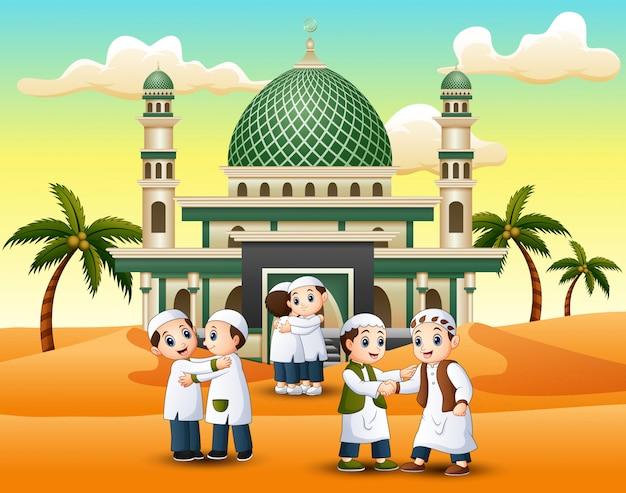 Muçulmanos apertando as mãos uns aos outros na frente de uma mesquita Vetor Premium