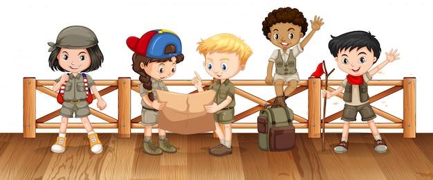 Muitas crianças na ponte Vetor grátis