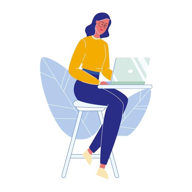 Mulher, com, laptop, caricatura, vetorial, ilustração Vetor Premium