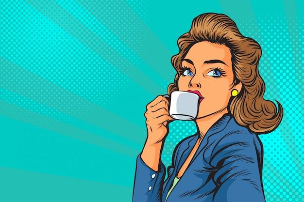 Mulher de negócios linda tomando café da manhã na pop art Vetor Premium