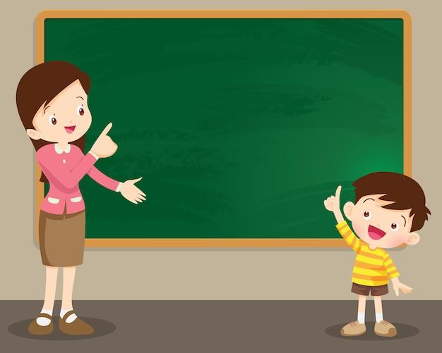 Mulher do professor e menino studen em frente a lousa Vetor Premium