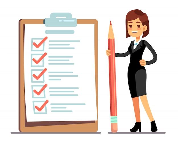 Mulher feliz que guarda o lápis na lista de verificação gigante da programação com marcas do tiquetaque. organização de negócios e realizações do conceito de vetor de metas Vetor Premium