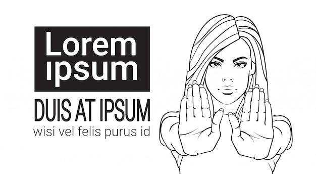 Mulher, mostrando, parada, sinal, com, levantado mão retrato, femininas, não, gesto, ligado, branca, fundo Vetor Premium