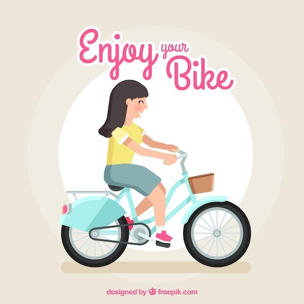 Mulher sorridente andando de bicicleta com design plano Vetor grátis
