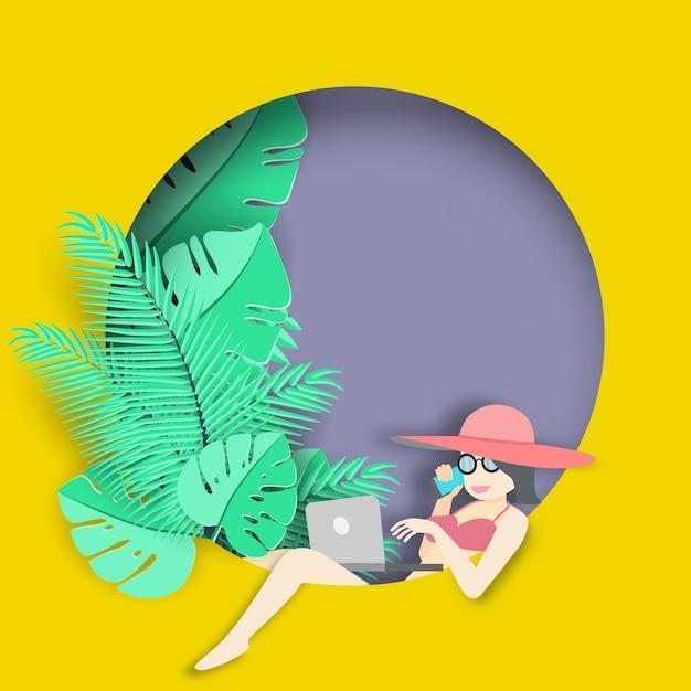Mulher usando computador portátil no fundo tropical Vetor Premium