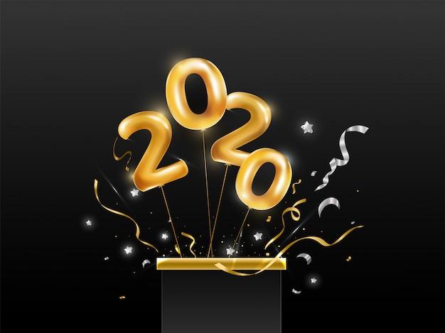 Número de balão dourado a voar de 2020 da caixa de presente surpresa com estrelas e fita de confetes em fundo preto. Vetor Premium