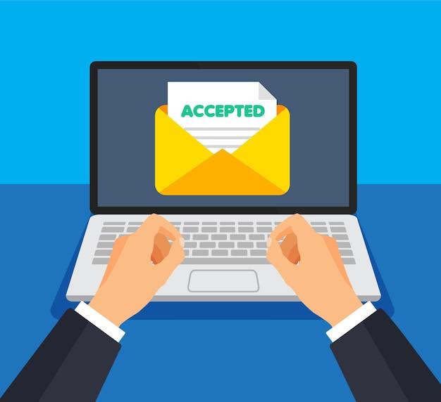 O empresário envia ou recebe feedback positivo ou responde por e-mail. envelope e documento em uma tela. obtenção ou envio de novos emails. Vetor Premium