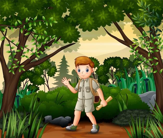 O garoto explorador com mapa e mochila realizando atividade ao ar livre Vetor Premium