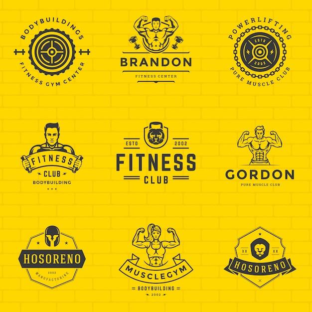 Os logotipos e os emblemas da aptidão projetam o equipamento de esporte e os povos ajustaram a ilustração do vetor. Vetor Premium