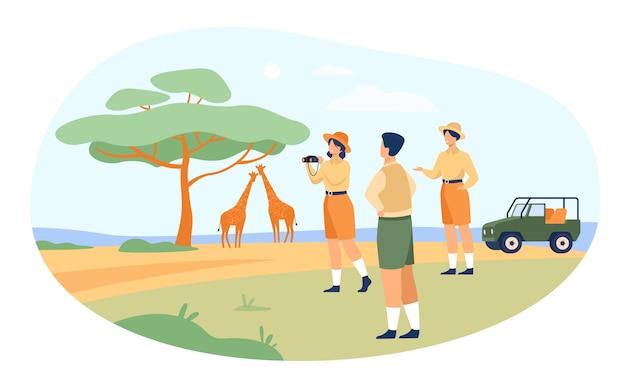 Os turistas do safari desfrutam de viagens de aventura, observando animais e tirando fotos da paisagem, flora e fauna africana. ilustração vetorial para passeio de jipe no quênia, savana, jornada Vetor grátis
