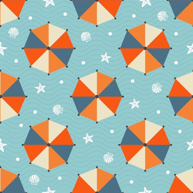 Padrão de verão sem costura com guarda-chuva de praia colorido, estrela de peixe, concha e bolinha no fundo da onda azul Vetor Premium