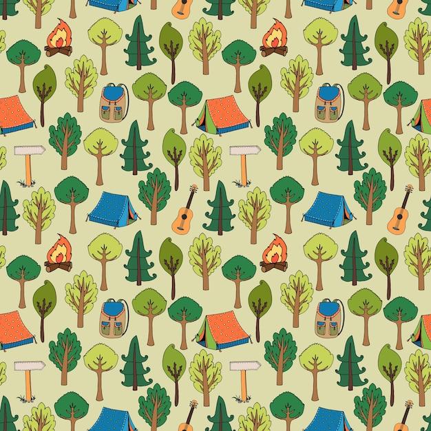 Padrão sem emenda de camping e caminhada de tendas em uma floresta de árvores com fogueiras, mochilas, mochilas, guitarras e marcadores de trilha, ilustração vetorial em formato quadrado Vetor grátis