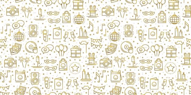 Padrão sem emenda de festa de aniversário em ouro. elementos de decoração para festa: bolo de aniversário, presente, confete. festivo, evento, entretenimento, diversão, tema de carnaval. textura dourada Vetor Premium