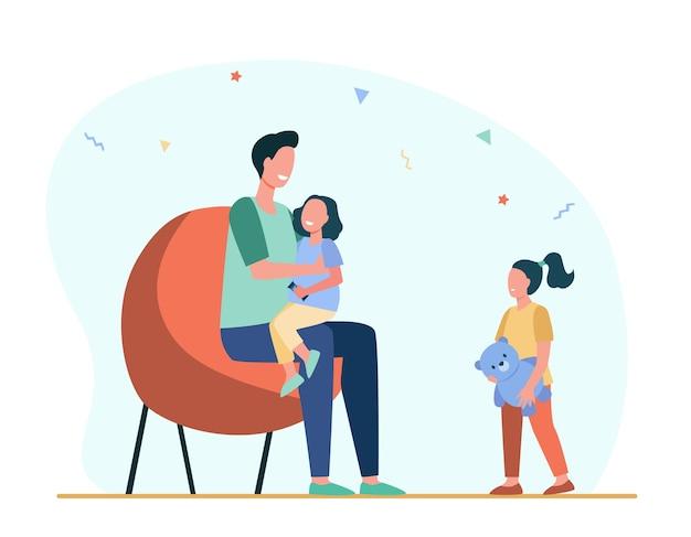 Pai dando atenção a apenas um filho. filha, pai, ilustração plana de brinquedo. Vetor grátis