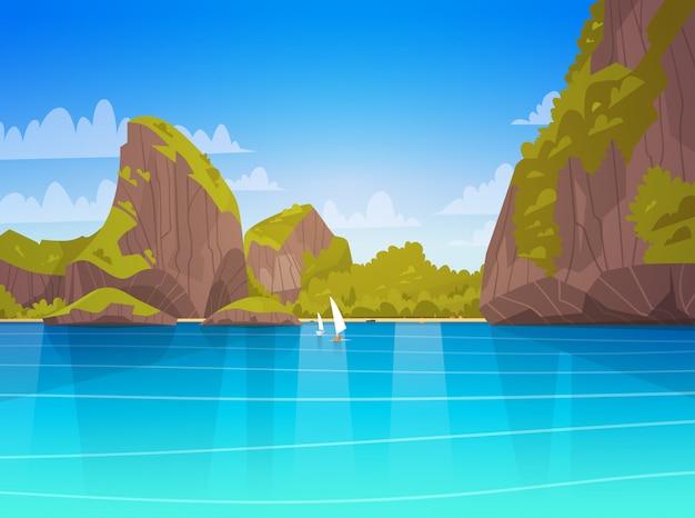 Paisagem do mar bela praia asiática com montanha costa à beira-mar vista verão seascape Vetor Premium