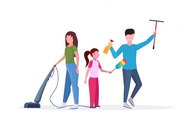Palavras-chave: família pai limpeza housework vidro limpeza matriz usando pai aspirar pai limpeza conceito limpeza branco fundo janela comprimento horizontal completamente Vetor Premium