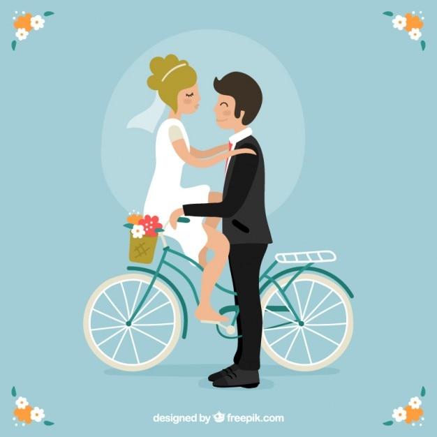 Pares bonitos do casamento em uma bicicleta Vetor grátis
