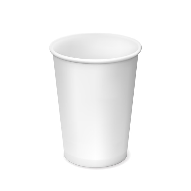 Pequeno copo de papel branco isolado no branco Vetor grátis