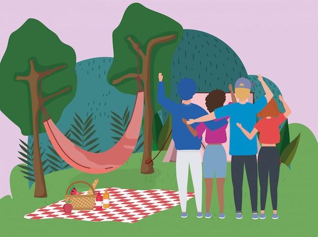 Pessoas acenando mão rede cobertor tenda árvores acampar piquenique Vetor Premium