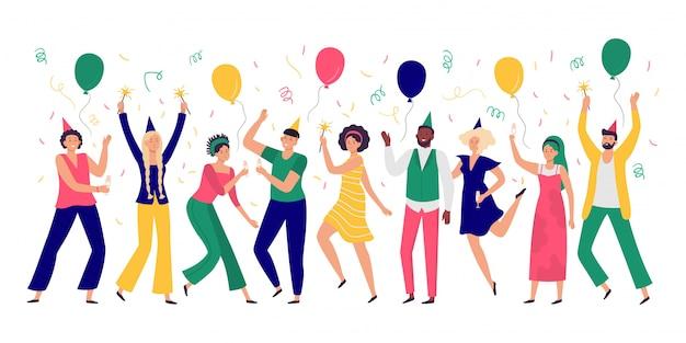 Pessoas comemorando. homens e mulheres jovens dançam na festa de comemoração, balões alegres e ilustração de confetes Vetor Premium
