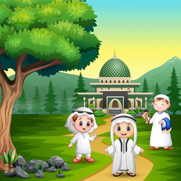 Pessoas dos desenhos animados muçulmanos na estrada para a mesquita Vetor Premium
