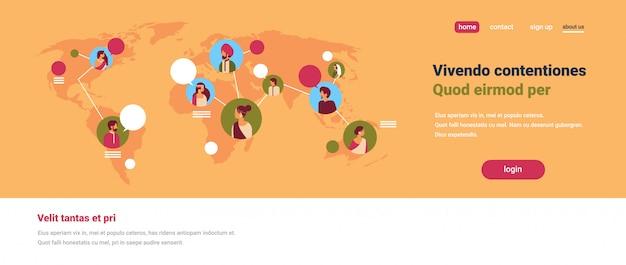Pessoas indianas avatar mapa do mundo bate-papo bolhas comunicação global trabalho em equipe Vetor Premium