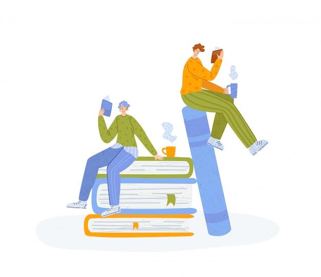 Pessoas lendo livro, miniatura homem e menina ou dois alunos ler e ...