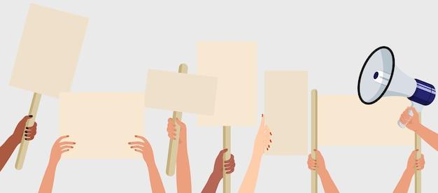 Pessoas segurando cartazes, faixas e cartazes em uma manifestação de protesto ou piquete. multidão de manifestantes de pessoas. conceito de campanha eleitoral. Vetor Premium