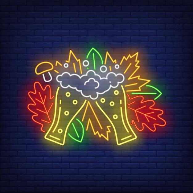 Pilsner óculos neon sign Vetor grátis