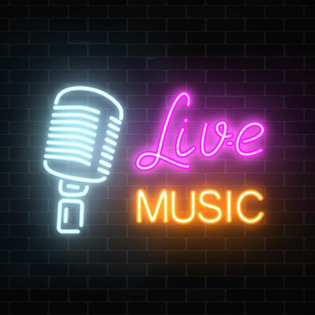 Placa de néon de boate com música ao vivo. placa de rua brilhante de bar com karaokê e cantores ao vivo. Vetor Premium