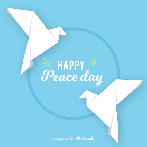 Pombas feitas de origami para o dia da paz Vetor grátis