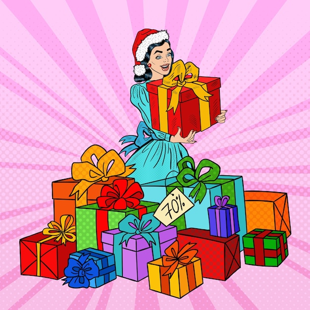Pop art mulher feliz no chapéu de papai noel com caixas de presente grande na venda de natal. Vetor Premium