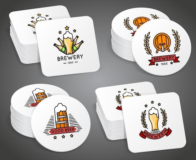 Porta-copos para bebidas com conjunto de rótulos de cerveja. porta-copos com logotipo, ilustração Vetor grátis