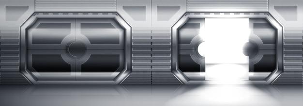 Portas corrediças de metal futuristas em espaçonave, submarino ou laboratório. interior realista de corredor vazio com portões de aço abertos e fechados. portas de aço inoxidável em espaçonaves ou laboratórios Vetor grátis