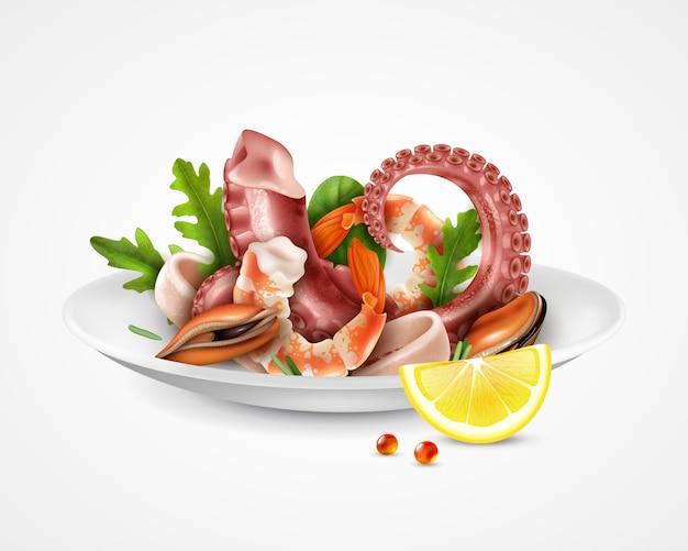 Prato de cocktail realista de frutos do mar Vetor grátis