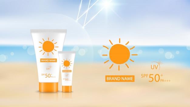 Protetor solar design de produto no fundo da praia, design de anúncio cosmético Vetor Premium