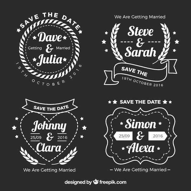 Quatro etiquetas sobre casamentos no fundo preto Vetor grátis