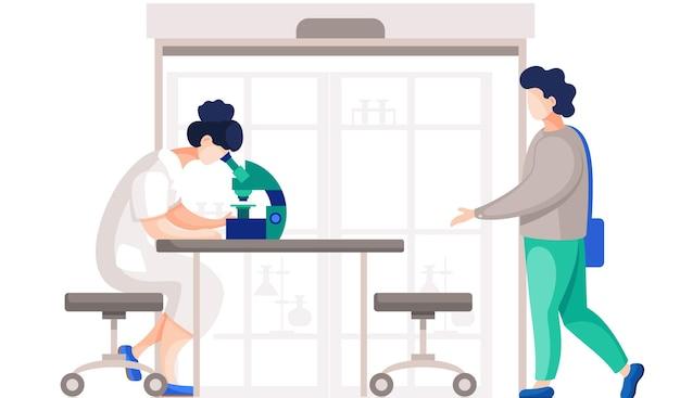 Químicos profissionais em seu laboratório fazem diferentes experimentos na mesa com microscópio Vetor Premium