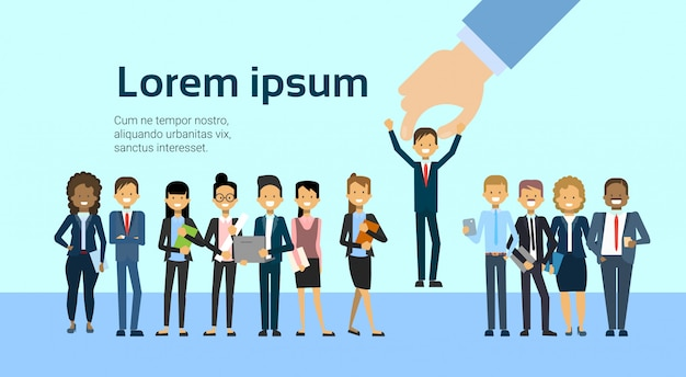 Recrute o homem de negócio da colheita da mão para recursos humanos de posição de trabalho da vacância e conceito do recrutamento Vetor Premium