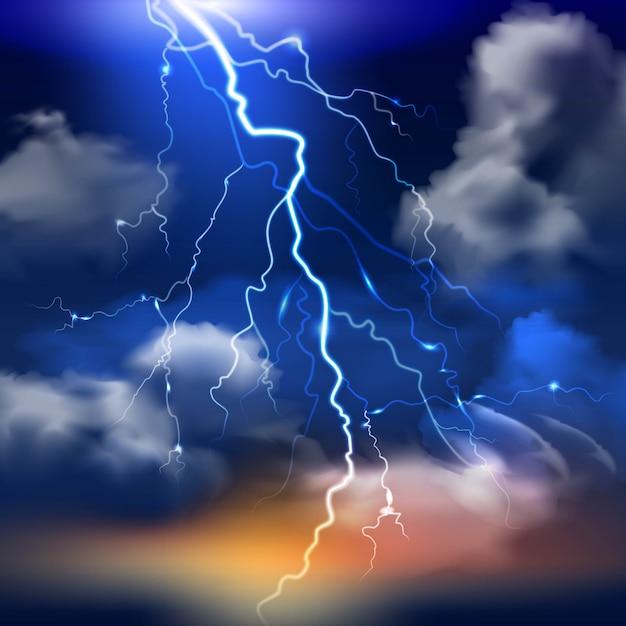 Relâmpago e céu tempestuoso com nuvens pesadas fundo realista Vetor grátis