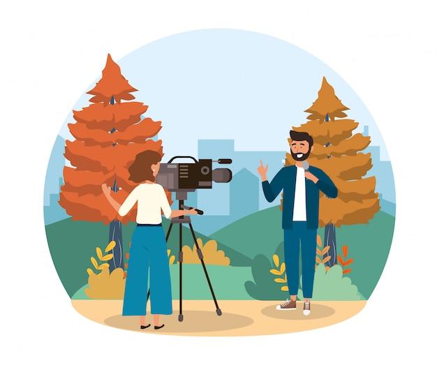 Repórter homem, com, microfone, e, câmera, mulher, com, equipamento filmadora Vetor Premium
