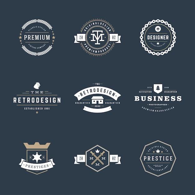 Retro vintage emblemas e logotipos definir elementos de design do vetor Vetor Premium