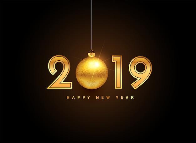 Rotulação de ano novo de ouro de 2019 com bola de natal Vetor grátis