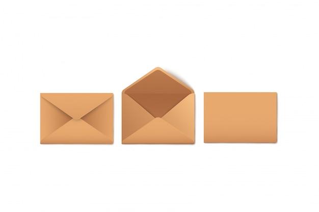 S conjunto de envelopes de papel kraft em branco aberto e fechado estilo realista Vetor Premium