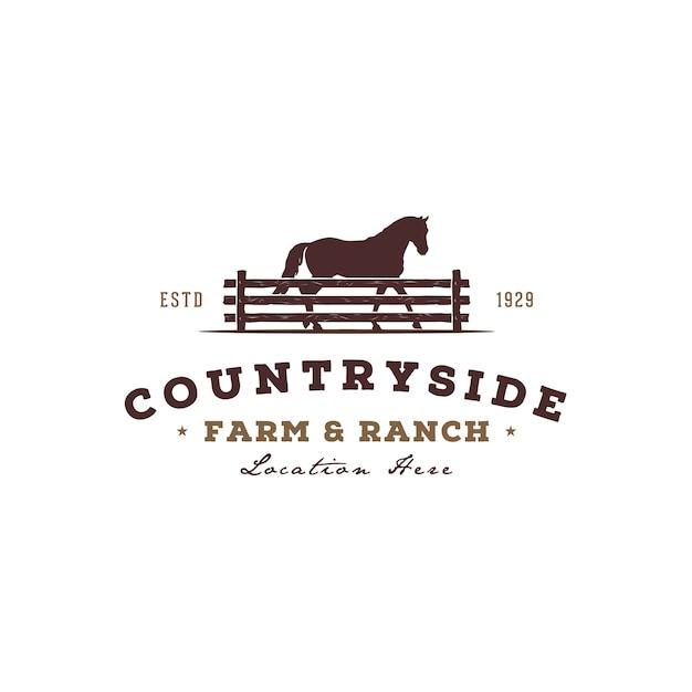 Silhueta de cavalo atrás do cercado de cerca de madeira para design de logotipo vintage rural rústico campo ocidental país fazenda Vetor Premium