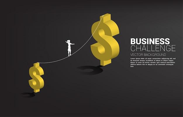 Silhueta de empresária andando na corda a pé caminho para o ícone de dólar maior dinheiro. conceito de risco e desafio de negócios. Vetor Premium