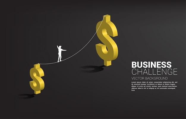 Silhueta do empresário andando na corda andar caminho para maior ícone do dólar de dinheiro. conceito de desafio e risco comercial. Vetor Premium