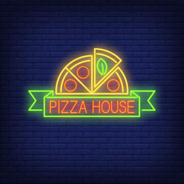 Sinal de néon da casa da pizza. meio círculo de pizza com rolagem. anúncio brilhante da noite. Vetor Premium